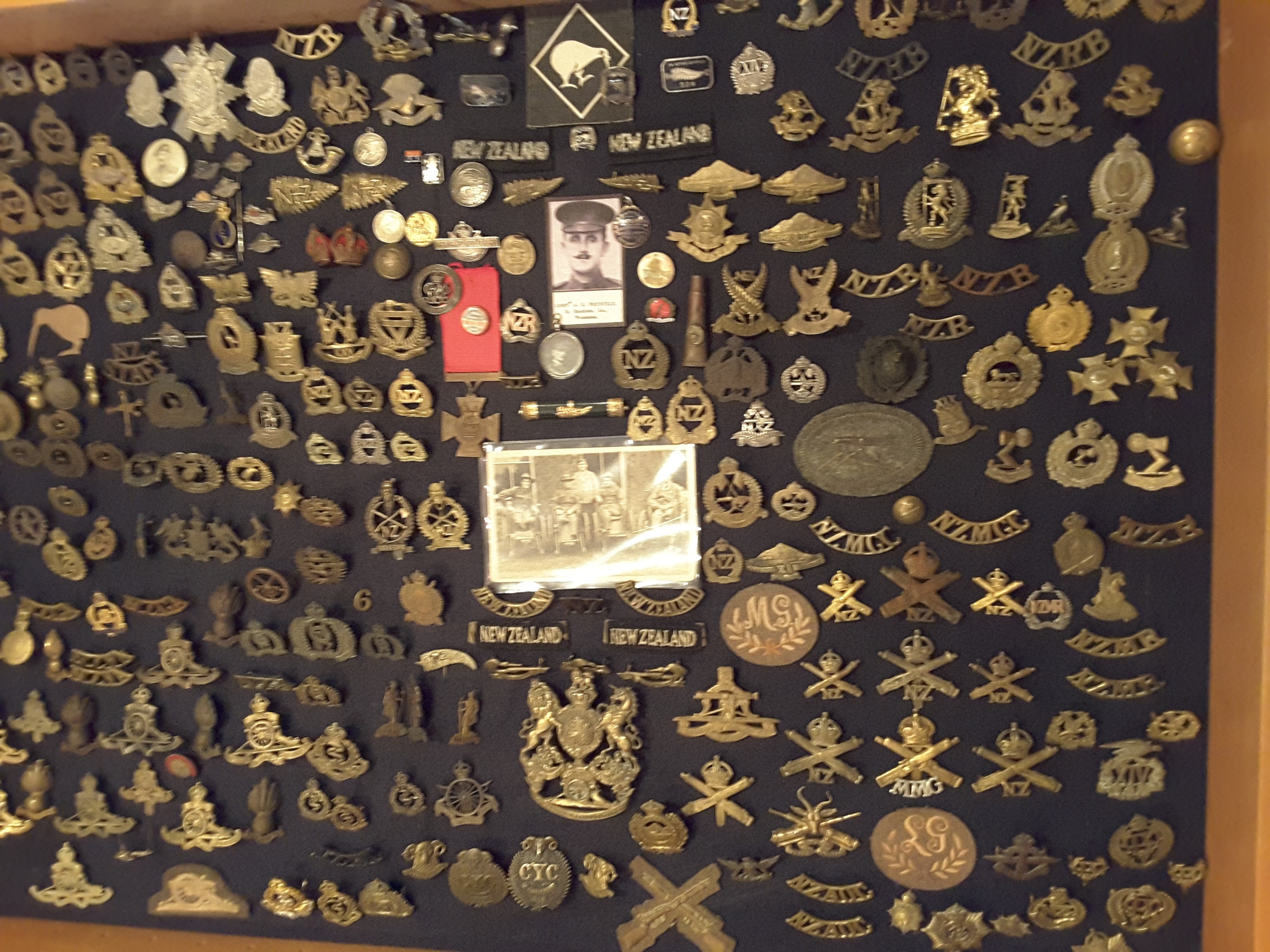 New Zealand Badges & Insignia